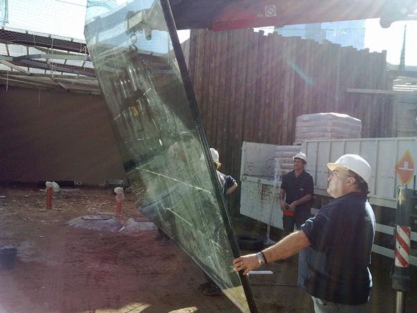 Cristales de seguridad cristales a medida escaparates for Cristales de seguridad precios